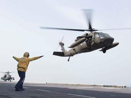 美军机在韩登陆舰演习 韩军方:例行演习没违反不演习承诺