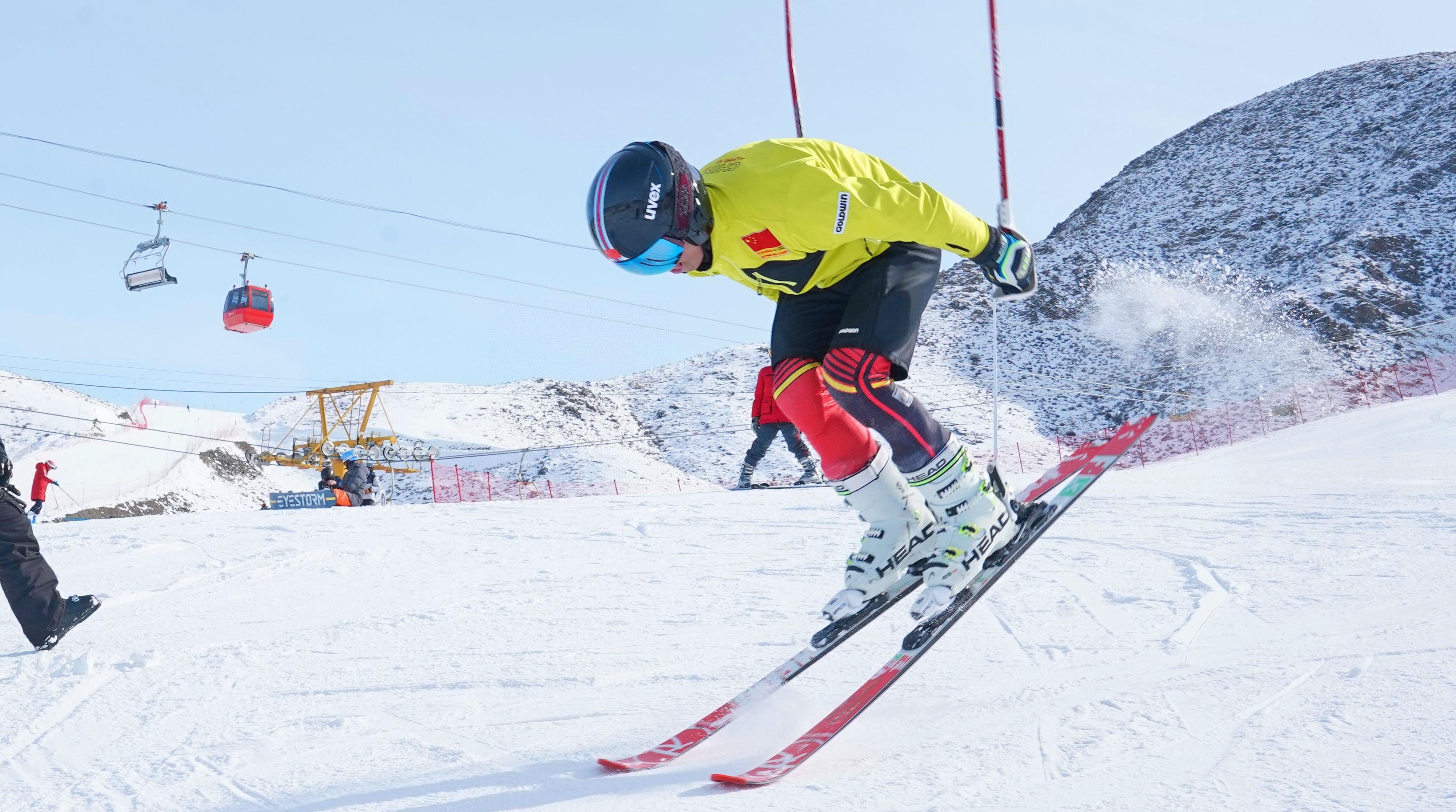 外媒:全球滑雪业热盼中国爱好者 高端滑雪市场最受益