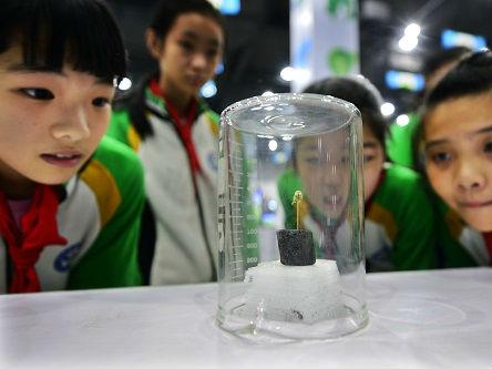 """凭""""空""""发电!工程师造出第一台温差发电设备"""