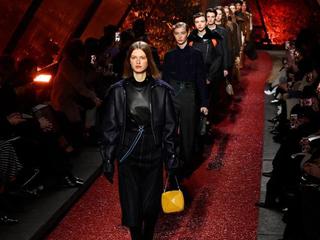 巴黎举行秋冬女装时装周