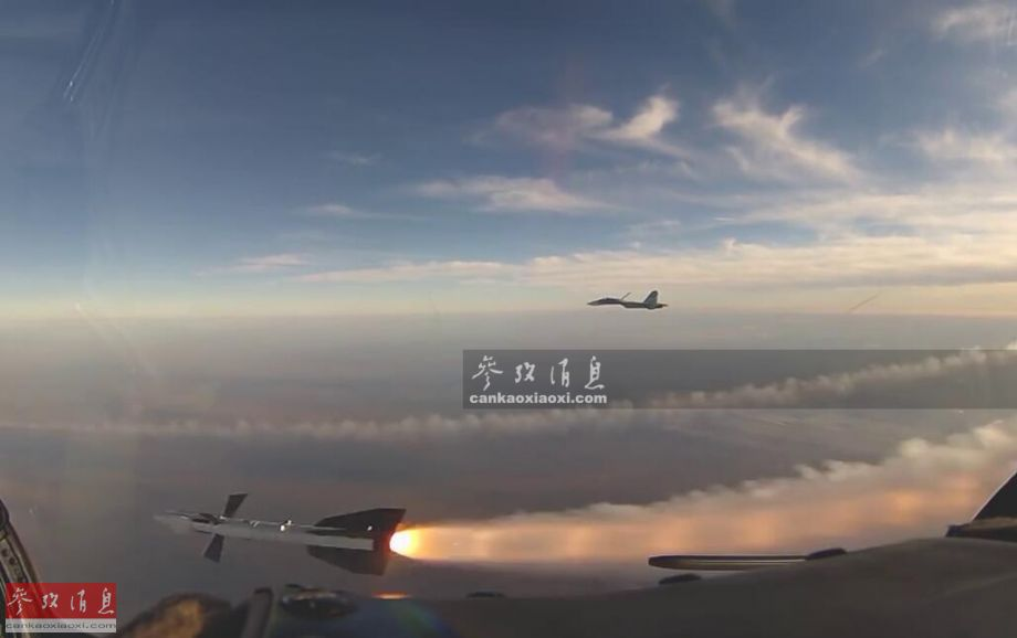 叫板北约!俄苏27克里米亚上空打导弹