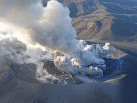 日本新燃岳火山大规模喷发