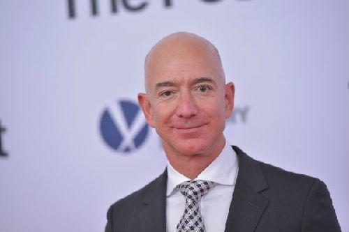 幸运飞艇冠亚包赢钱:《福布斯》富豪榜出炉_贝索斯超越盖茨成全球首富