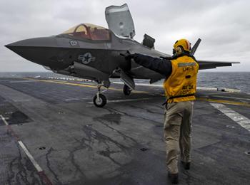 军情锐评:F-35B隐身战机现身东海!美两栖战舰对华威胁接近航母?