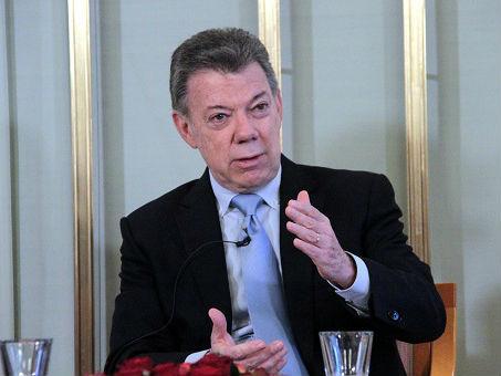 """西媒:哥伦比亚总统决定在卸任前重启与哥""""民族解放军""""对话"""