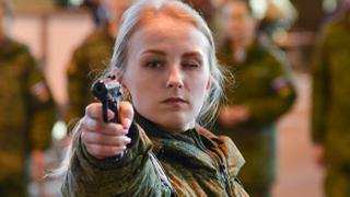 枪法比颜值重要!俄军选美看重战斗力