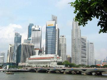 美媒称新加坡生活成本全球最高:一瓶葡萄酒比巴黎贵一倍