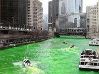"""""""染绿芝加哥河""""庆祝圣帕特里克节"""