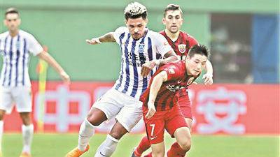 广州富力比赛开始仅8分钟领先两球,最终惨遭上海上港5比2逆转