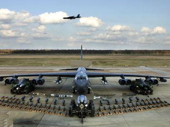 """美军升级""""爷爷辈""""轰炸机:载弹量增加66% 或服役90年"""