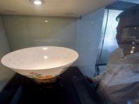 台湾陶艺家制造出比蛋壳更薄的瓷碗