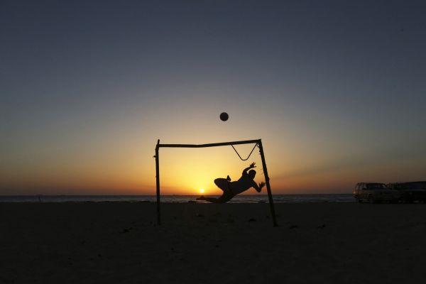 急速赛车彩票直播:体育的力量!足球让利比亚青年远离冲突和暴力