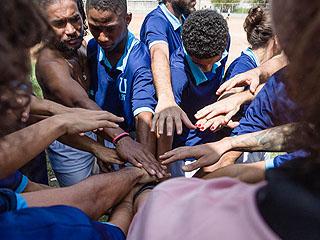 从小培养!巴西街头足球