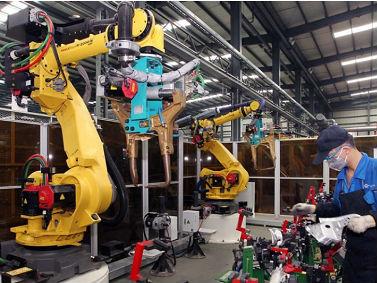 美媒称中国引领世界制造业自动化:对机器人需求高速增长