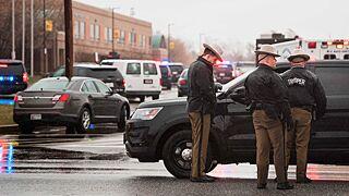 美国一高中发生枪击案 枪手死亡两学生受伤