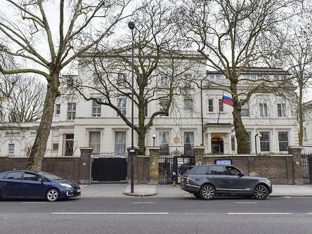 """外媒:俄怀疑""""投毒门""""毒剂来自英国 邀所有外国大使讨论"""