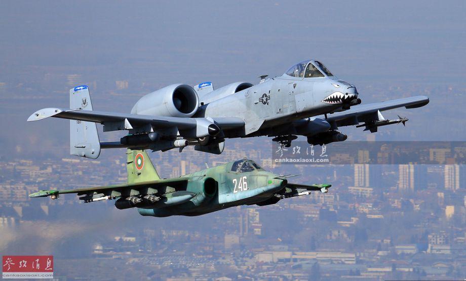 空中铁锤!多角度体验苏-25对地攻击