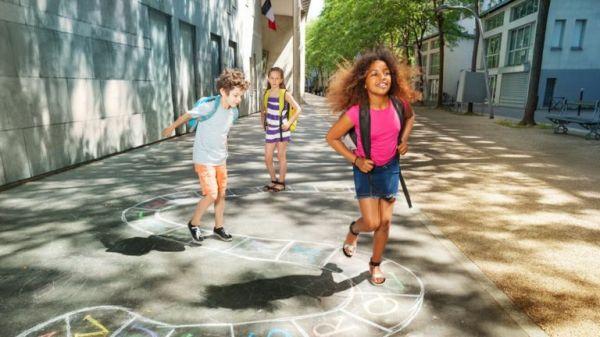 澳门国际赌博平台:什么!法国将法定入学年龄从6岁降至3岁_这样真的好吗?