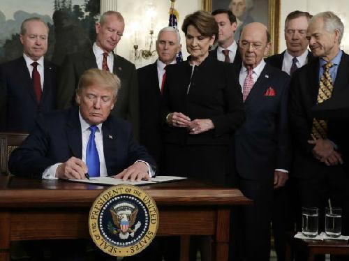 美媒:特朗普政府发起关税战恐令世贸组织边缘化