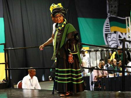 """曼德拉前妻温妮去世 享年81岁 生前被誉为""""黑人母亲"""""""