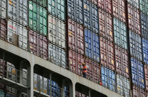 中国强硬回击美301关税清单 捍卫自身合法权益