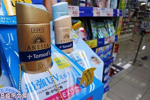 """日媒称访日中国人消费现""""新宠"""" 反映日本最新流行趋势"""