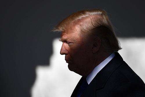 """特朗普承认中美贸易摩擦或伤及美农民:""""他们会理解的"""""""