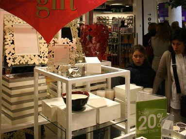 """英国百货将销售中国奢侈品 英媒:提升""""中国制造""""形象"""