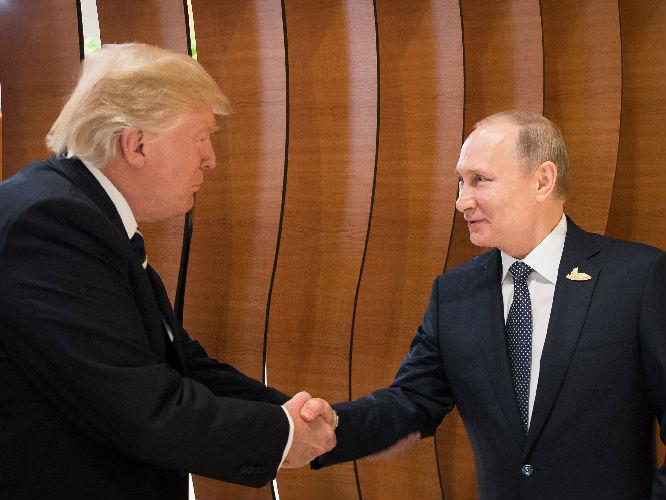 新媒称克里姆林宫尝试缓解美俄关系:给特朗普一个机会