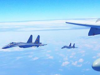 """中国战机连续""""绕岛巡航"""""""