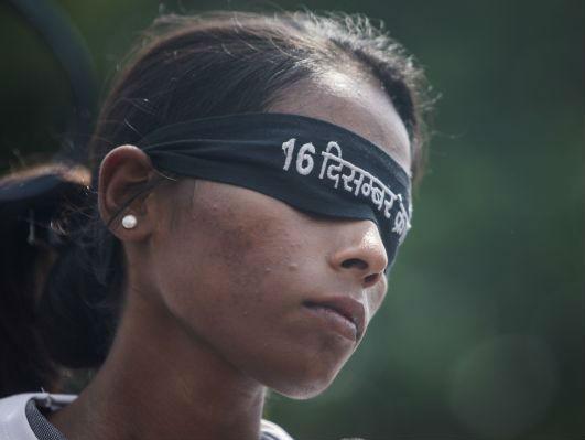 """印度女性学习自我防卫:""""男人不把我们当人对待"""""""