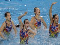 花样游泳:FINA世界系列赛 中国队获集体自由自选冠军