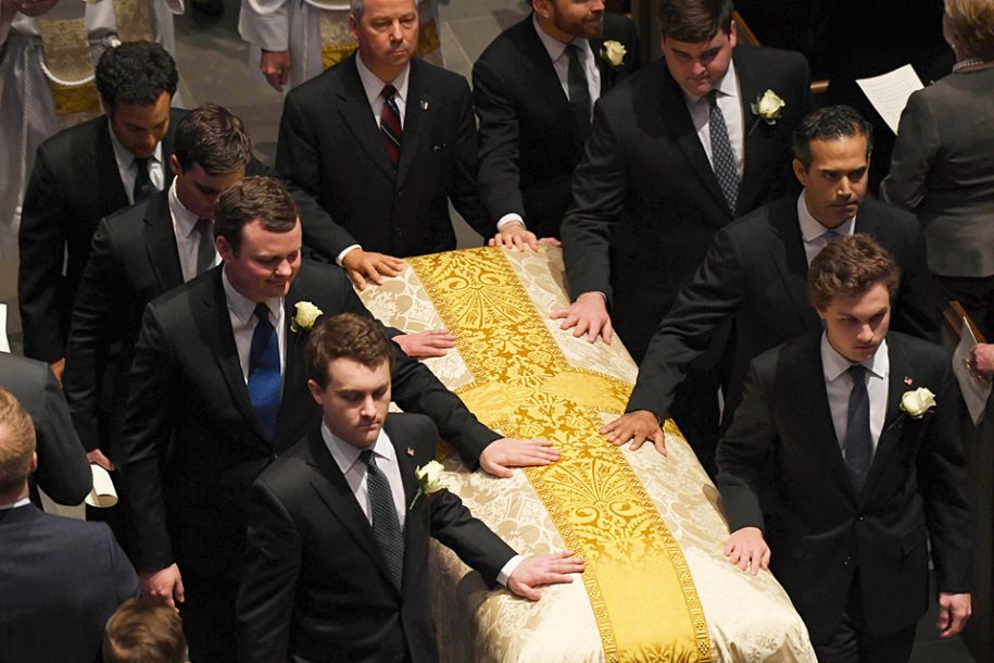 """美国前""""第一夫人""""芭芭拉·布什葬礼在休斯敦举行"""