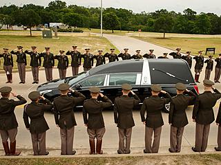 芭芭拉·布什葬礼举行 美4位前总统出席