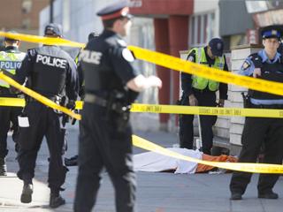 加拿大警察不开枪如何逮捕货车撞人嫌犯