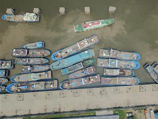 渔船回港迎休渔