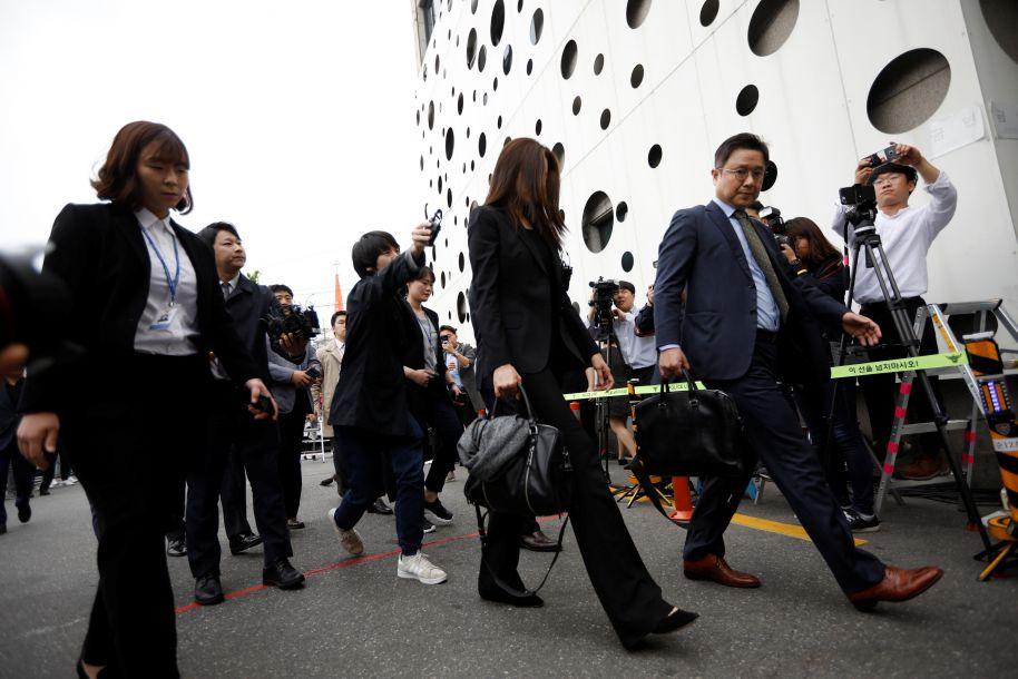 大韩航空会长之女接受警察问询