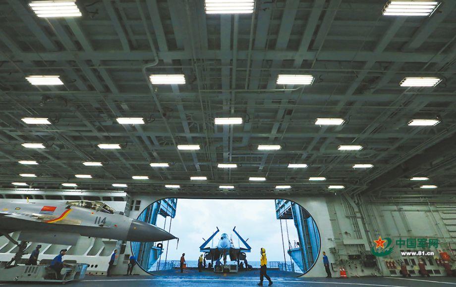 海军航母编队远海实兵对抗训练美图来袭