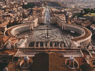 外媒盘点世界最美广场:见证历史的城市心脏