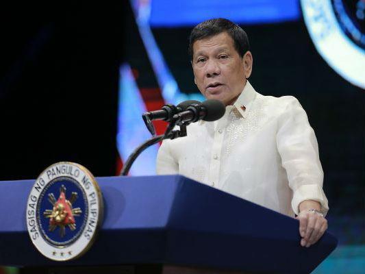 菲媒:杜特尔特盛赞中俄对菲援助 称美国不会帮菲律宾