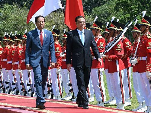 """境外媒体:李克强访印尼种下""""友谊之树"""""""