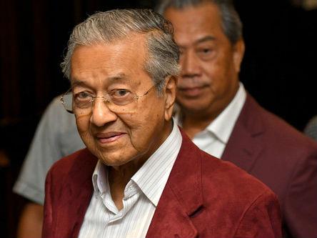 马哈蒂尔胜选震动马来西亚 外媒:体现民众对现状不满