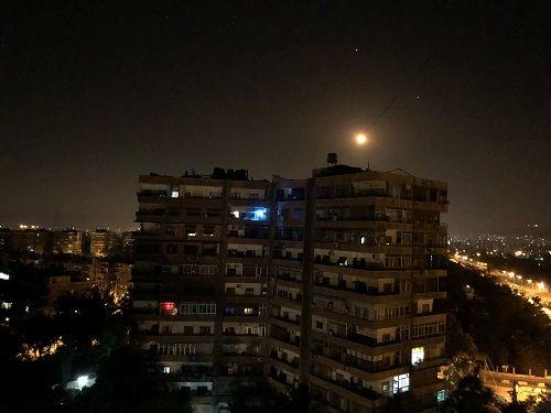 """伊朗以色列爆发直接交火 外媒:美国""""退群""""后果初显"""