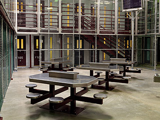 摄影师探访关塔那摩监狱:寂静中透着阴森