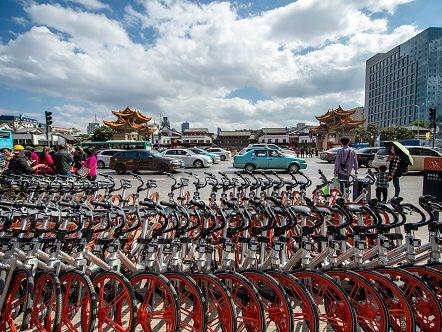 中国消费者逐渐放弃买汽车?英媒:中国人追捧新型出行方式