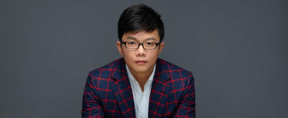 江南:对抗命运的屠龙英雄