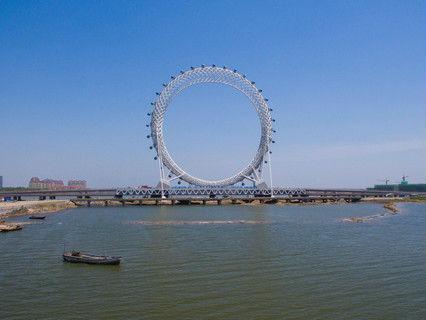 """英媒:中国开放世界最大无轴摩天轮 比""""伦敦眼""""高10米"""