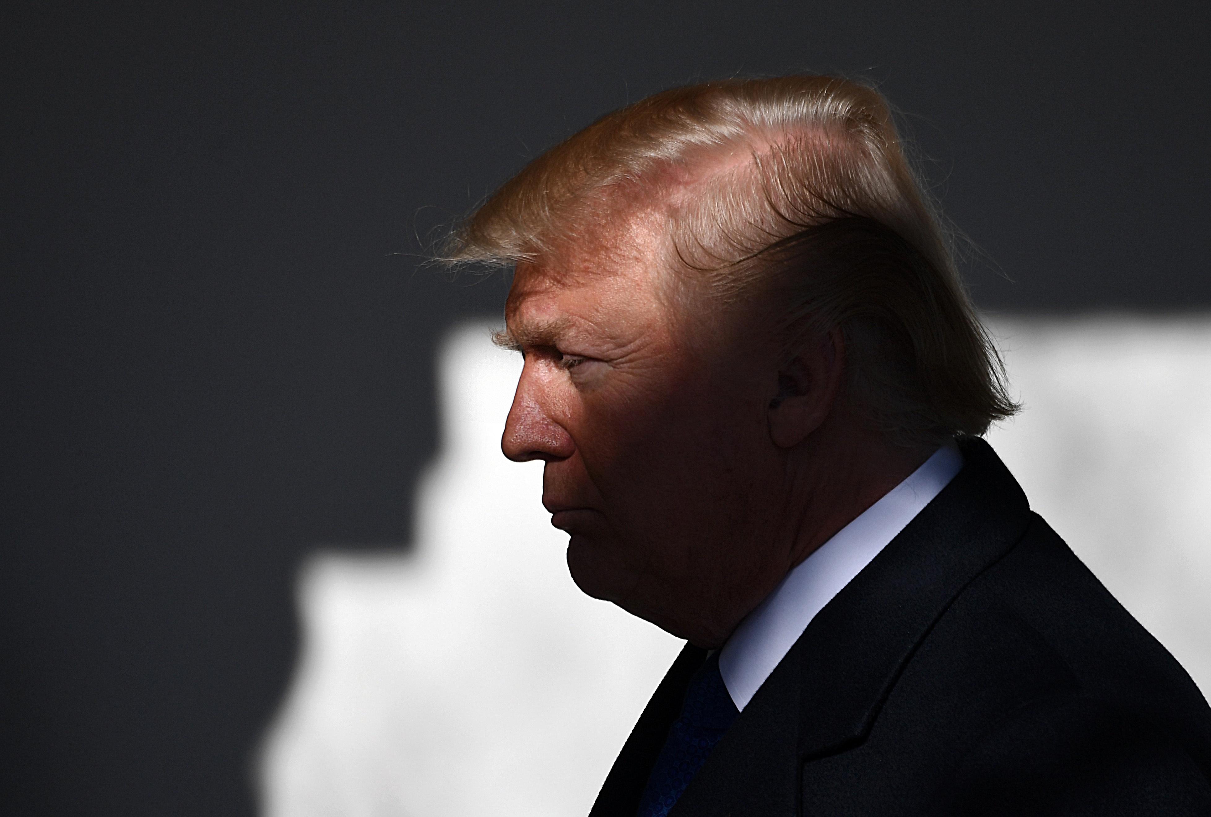 """声称没考虑""""利比亚模式"""" 特朗普对金正恩软硬兼施"""
