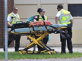 美得州高中枪击事件死亡人数上升至10人