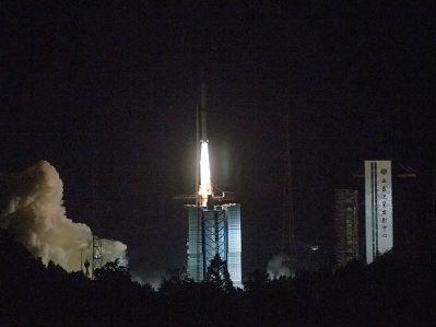 """外媒:中国发射""""鹊桥""""连通地月 让""""嫦娥""""离月宫又近一步"""